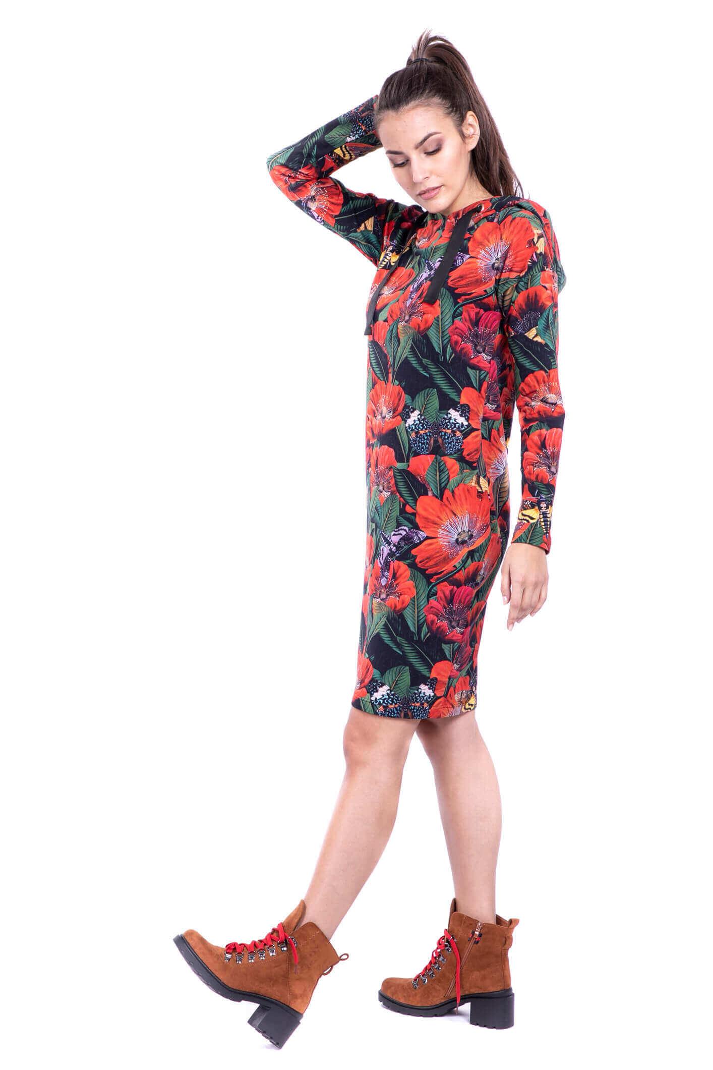 sukienka z kapturem Lato