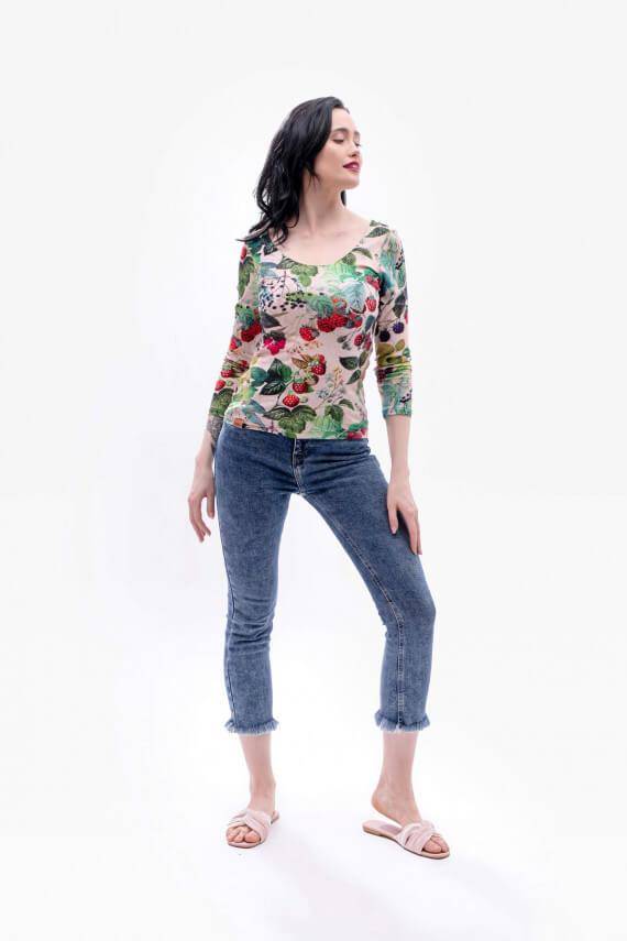 bluzka z dużym dekoltem maliny wiosna dziendobrysklep.com